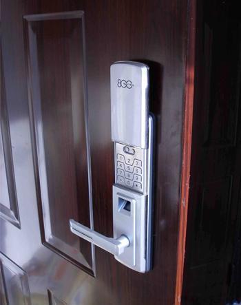 指纹防盗锁、机械锁、密码锁、感应锁放到性能哪个最好