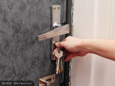 防盗门锁芯不好开怎么办?防盗门锁不好扭动怎么办?