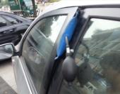 气囊开汽车锁的使用方法视频 简称万能开启汽车锁工具