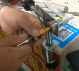 十字锁工具使用方法及填料方法视频教程