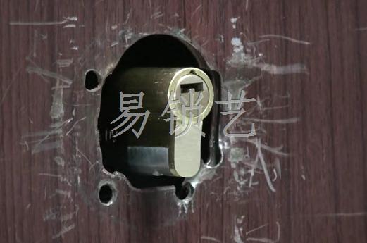 扭锁器的使用演示视频
